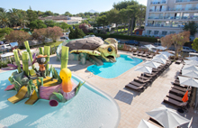Families and kids vacations Aparthotel Playa de Muro Suites